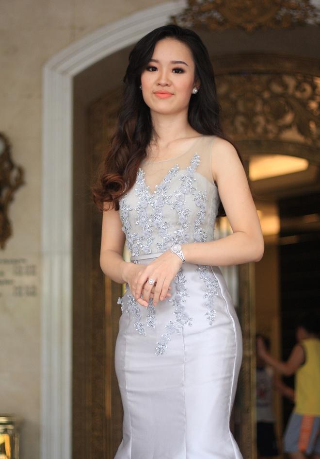 'Tieu doi truong xinh dep' du thi Hoa hau Hoan vu Viet Nam 2017 hinh anh 2