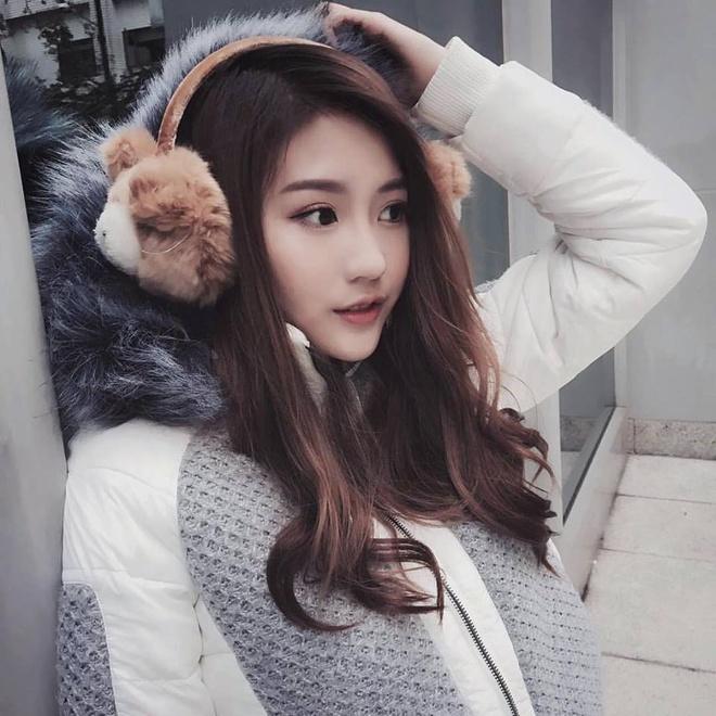 hot girl nuoc ngoai hat tieng Viet anh 1