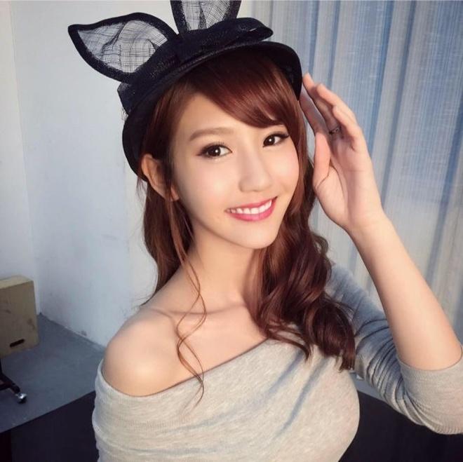 hot girl nuoc ngoai hat tieng Viet anh 2