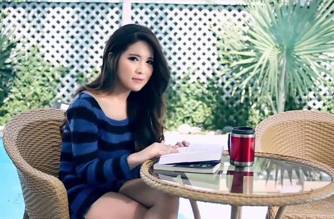 hot girl nuoc ngoai hat tieng Viet anh 8