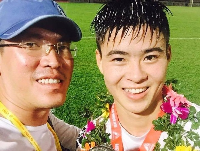 Khong khoe bung 6 mui, cau thu U23 van duoc nhieu nguoi tim kiem hinh anh