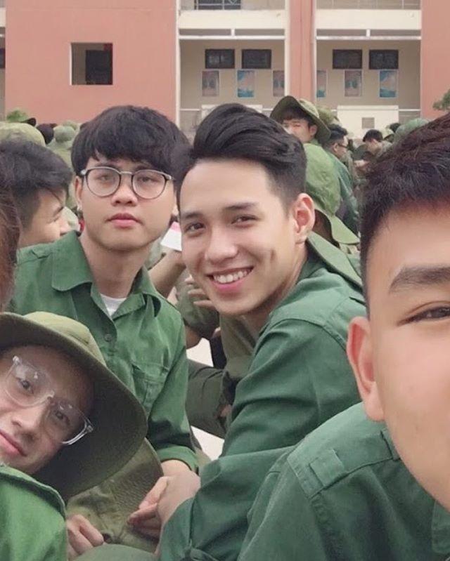 Nam CDV duoc nhan xet dep trai khong kem cau thu U23 Viet Nam hinh anh 6