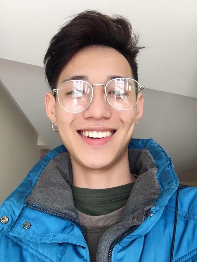 Nam CDV duoc nhan xet dep trai khong kem cau thu U23 Viet Nam hinh anh 2