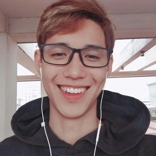 Nam CDV duoc nhan xet dep trai khong kem cau thu U23 Viet Nam hinh anh 5