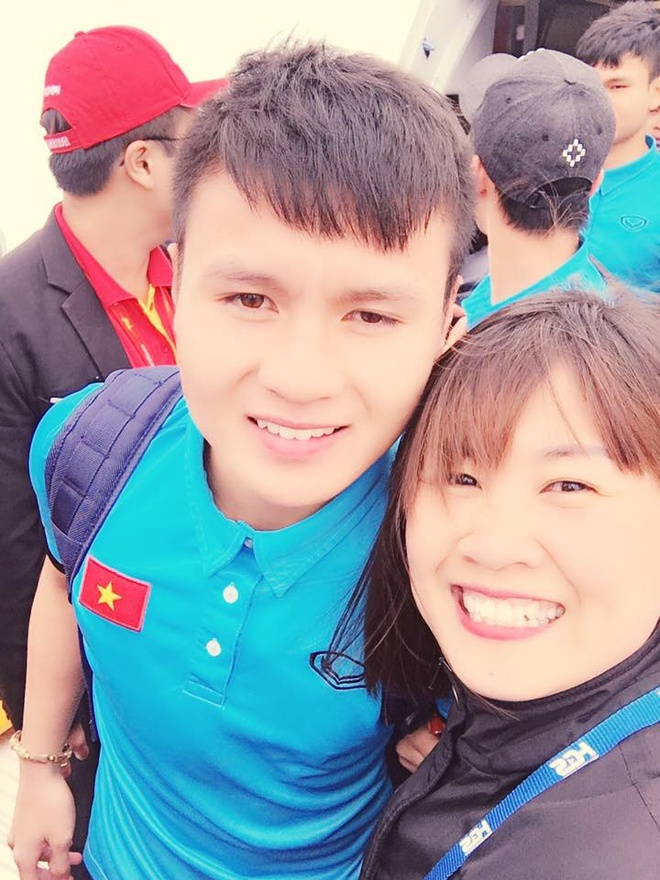 Cong Phuong, Duy Manh cung U23 Viet Nam lien tuc check-in Facebook hinh anh 13