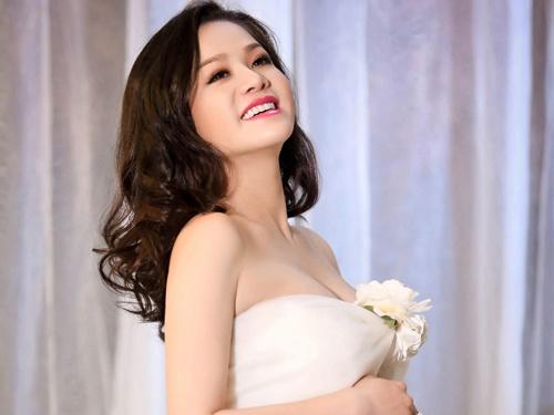 Nhat Kim Anh bi ngat sau khi sinh con trai dau long hinh anh