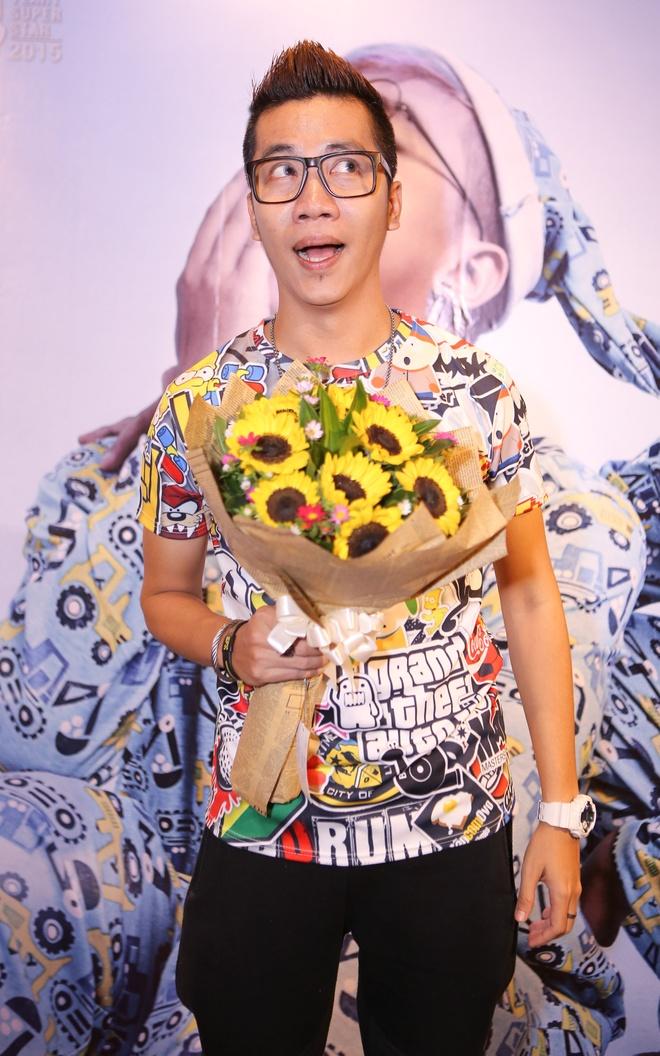Tang Nhat Tue dung tien mua nha lam MV hinh anh 4