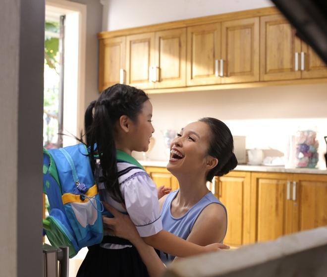Hien Thuc lam ba me vui tinh trong MV moi hinh anh 8