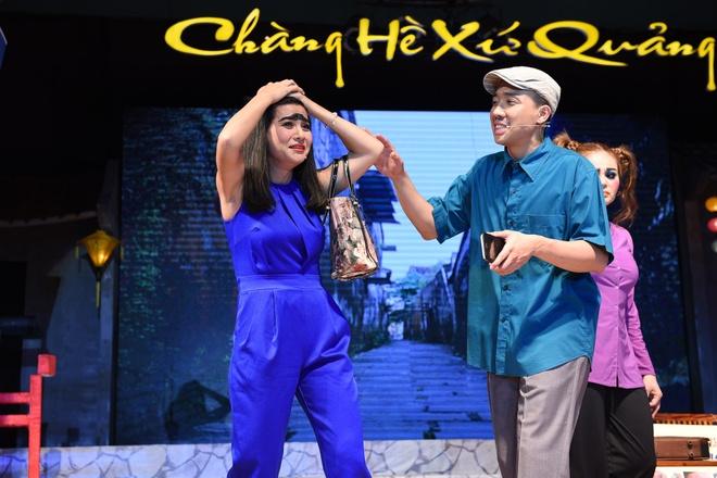 Dam Vinh Hung cham soc Hoai Linh hinh anh 7
