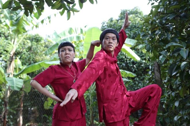 Hoai Linh dien ao doi voi Viet Huong trong phim moi hinh anh