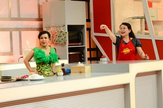 Hoang Ton Lung Tung Nau Bun Bo Hinh Anh 4