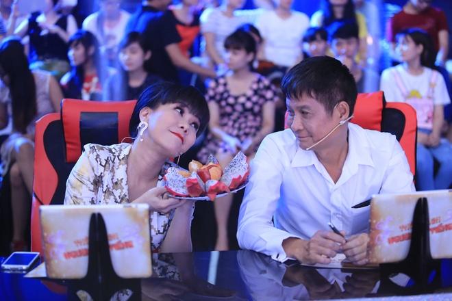 Viet Huong lac vong lua tren san khau hinh anh 2