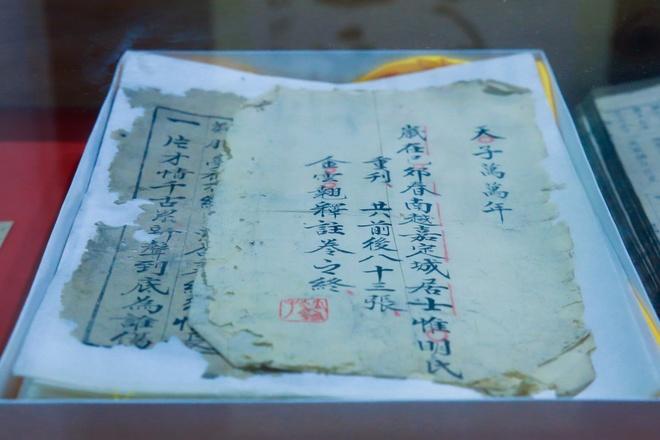 Nhieu tu lieu quy trung bay trong Tuan trien lam Nguyen Du hinh anh 6