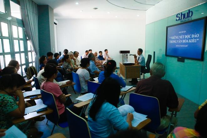 Nhieu tu lieu quy trung bay trong Tuan trien lam Nguyen Du hinh anh 7