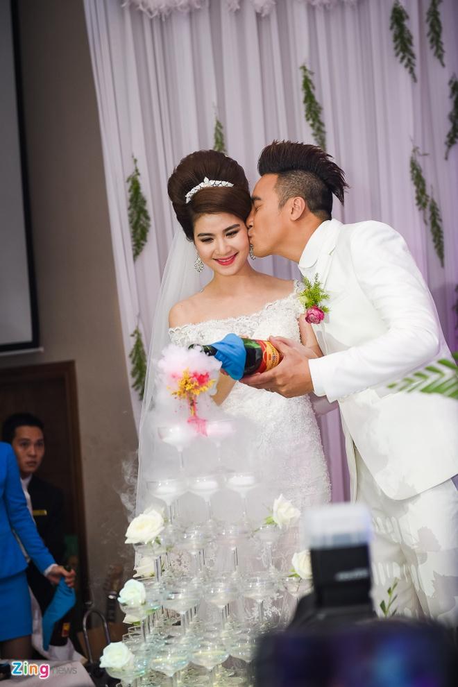 Thanh Duy - Kha Ly bat khoc trong hon le vi MC Dai Nghia hinh anh 9