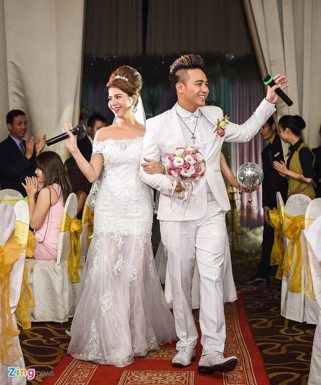 Thanh Duy - Kha Ly bat khoc trong hon le vi MC Dai Nghia hinh anh 6