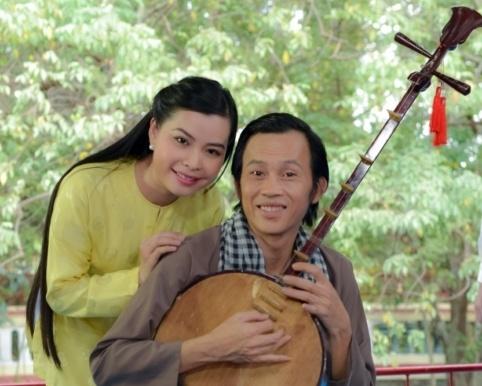 Hoai Linh lam soan gia ganh hat tren phim hinh anh