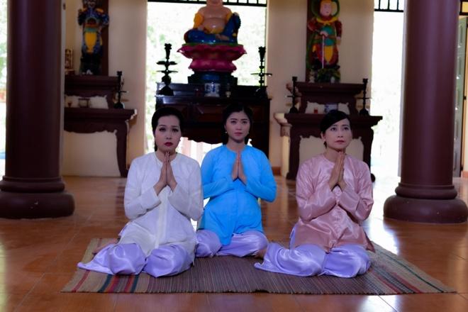 Hoai Linh lam soan gia ganh hat tren phim hinh anh 8