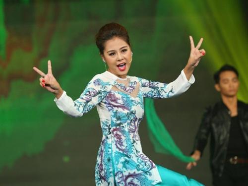 Nam Thu: 'Ban trai moi nho nguoi cu don dua toi' hinh anh