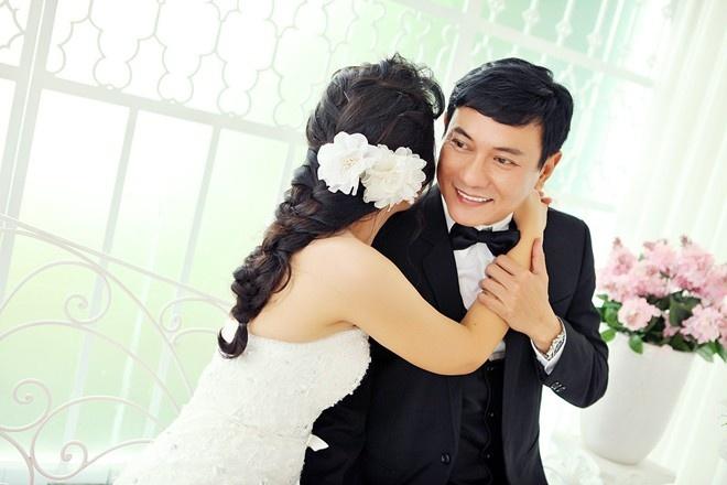Dien vien Hoang Phuc: 'Vo sap cuoi cho toi cam giac am ap' hinh anh 2