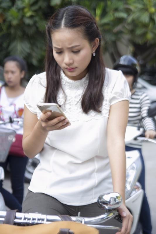 Phan Nhu Thao bat chap de yeu Quoc Truong trong phim moi hinh anh 1