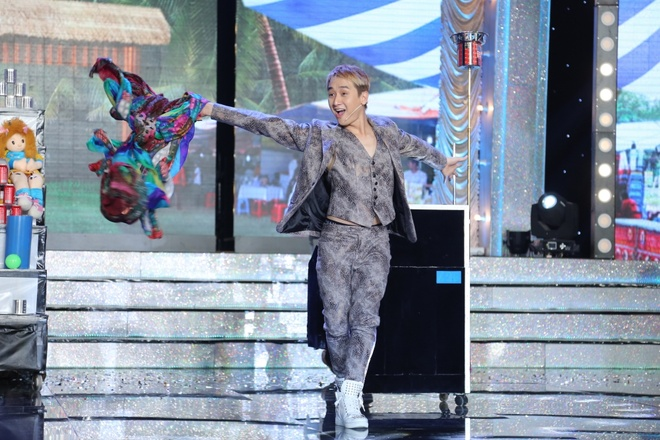 Tran Thanh va Viet Huong bien thanh trom trong game show hinh anh 6
