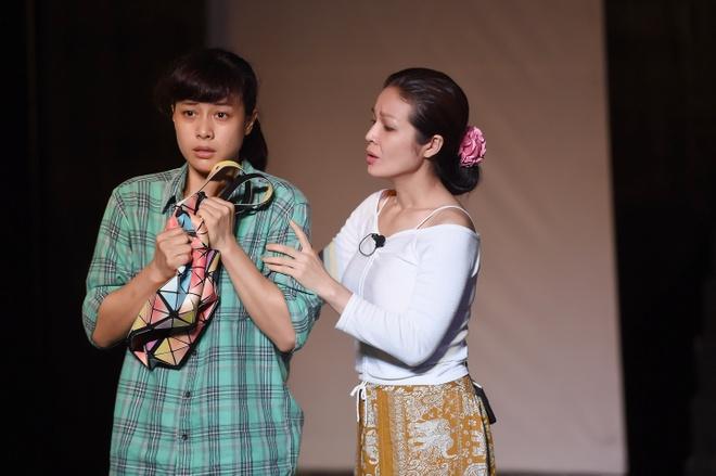 Dao dien Viet Linh mo san khau kich hinh anh 2