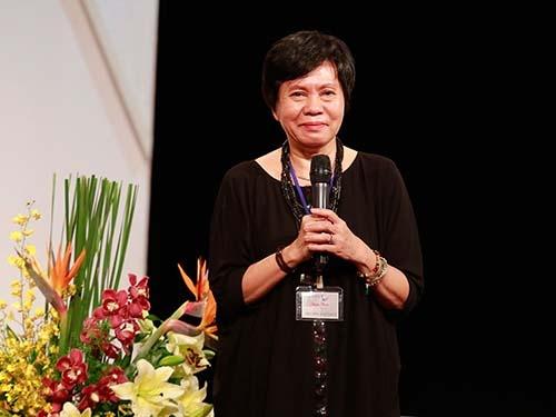Dao dien Viet Linh mo san khau kich hinh anh 1