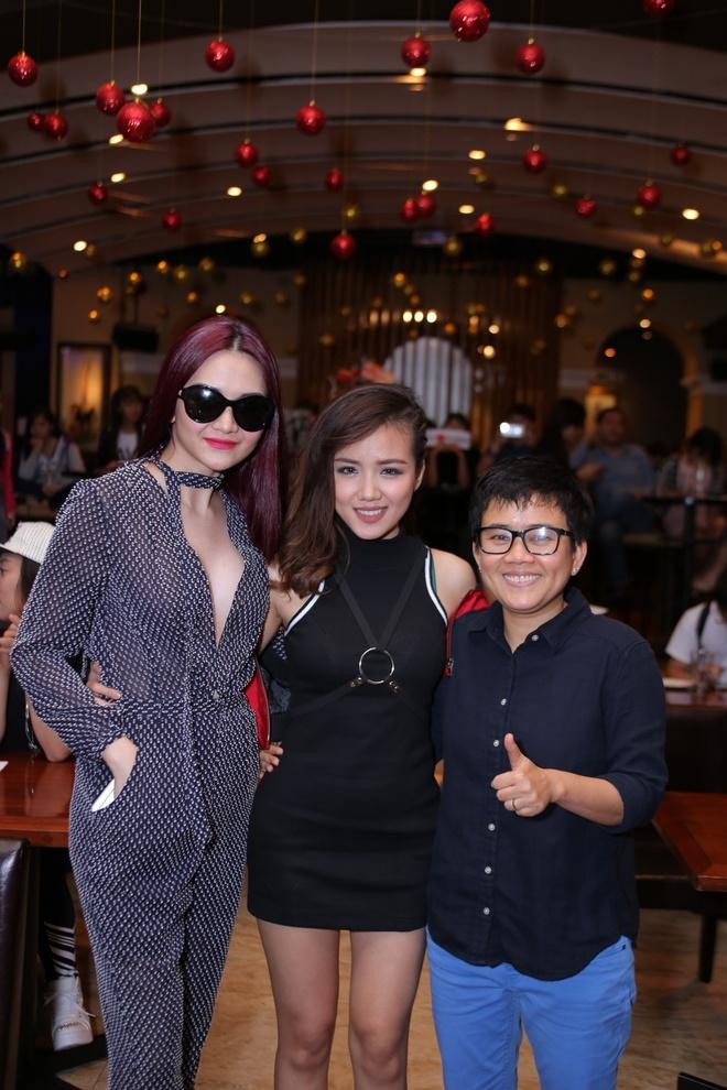 Phuong Uyen - Thieu Bao Trang du ra mat phim ca nhac hinh anh 1