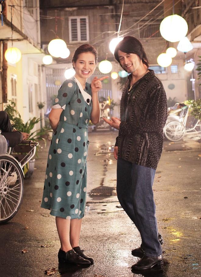 Johnny Tri Nguyen hen ho voi Phuong Trinh Jolie trong phim hinh anh 2