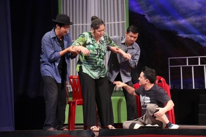 San khau kich mua Tet: Trong heo ngoai tuoi hinh anh 1