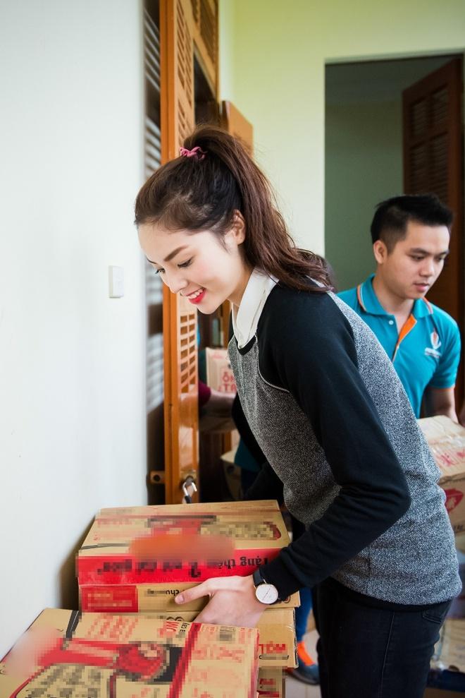 Ky Duyen mac trang phuc dan toc Thai nhay sap hinh anh 6