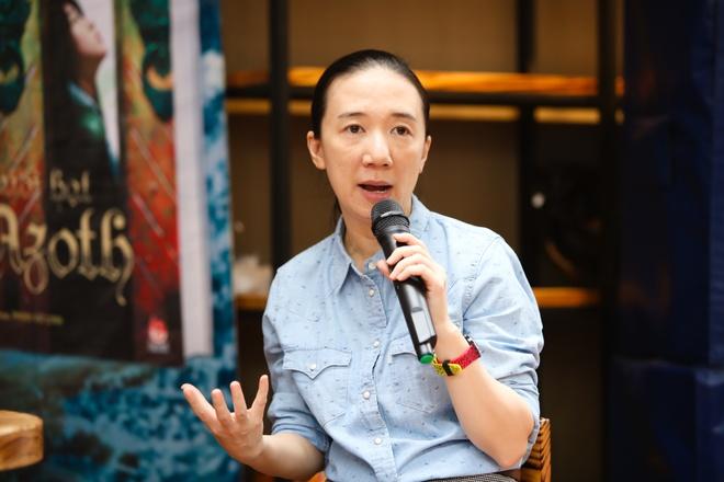 Nha van Phan Hon Nhien chia se ve truyen fantasy hinh anh