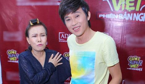 Hoai Linh - Viet Huong tap tenh den truong quay hinh anh