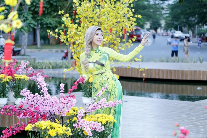Trang Phap lan dau hat nhac cua Duong Khac Linh hinh anh 4