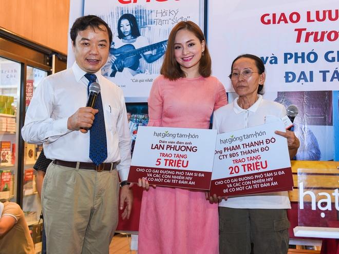 Lan Phuong diu dang den du giao luu sach 'Hoi ky Tam si-da' hinh anh 6