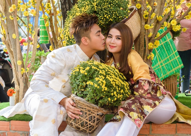 Kha Ly - Thanh Duy dien ao dai noi bat tren pho hinh anh 7
