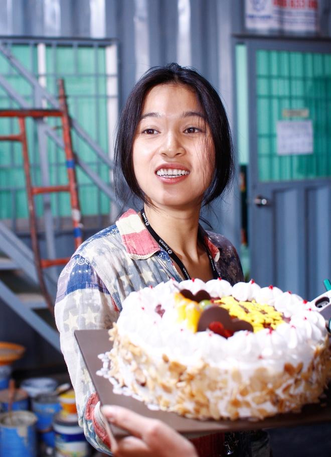 Nhung Kate mung sinh nhat Tri Nguyen tren phim truong hinh anh 2