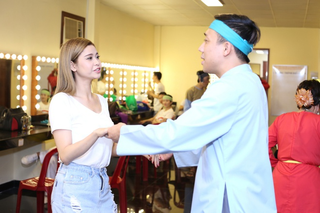 Tran Thanh lam toc cho Truong Quynh Anh sau canh ga san khau hinh anh 3