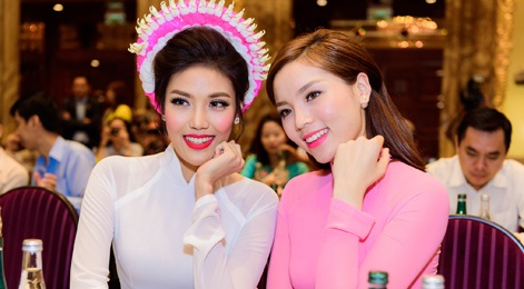 Hoa hau Ky Duyen, Lan Khue khoe sac voi ao dai hinh anh