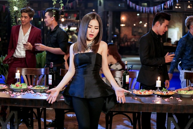 Huong Tram ke ve moi tinh vo vong trong MV hinh anh 1