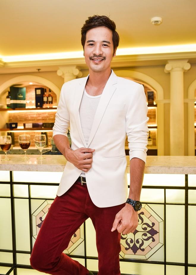 Phi Thanh Van lam day thang cho con trai anh 8