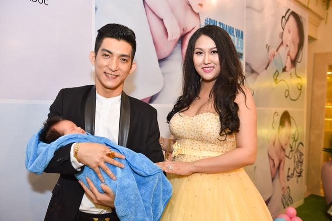 Phi Thanh Van lam day thang cho con trai anh 3