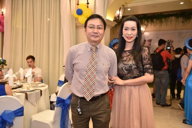 Phi Thanh Van lam day thang cho con trai anh 9