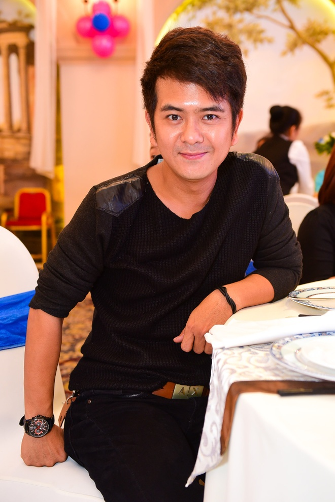 Phi Thanh Van lam day thang cho con trai anh 12