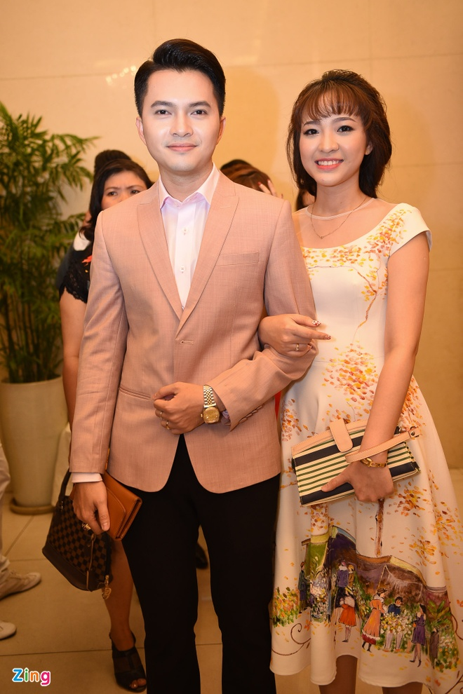 Nam Cuong dua vo toi du dam cuoi Kha Ly - Thanh Duy hinh anh 1