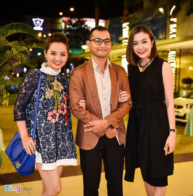Nam Cuong dua vo toi du dam cuoi Kha Ly - Thanh Duy hinh anh 12