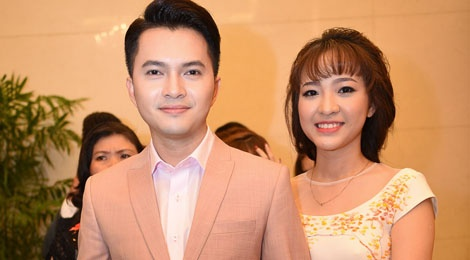 Nam Cuong dua vo toi du dam cuoi Kha Ly - Thanh Duy hinh anh