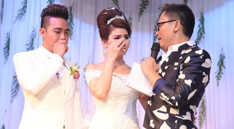 Thanh Duy - Kha Ly bat khoc trong hon le vi MC Dai Nghia hinh anh