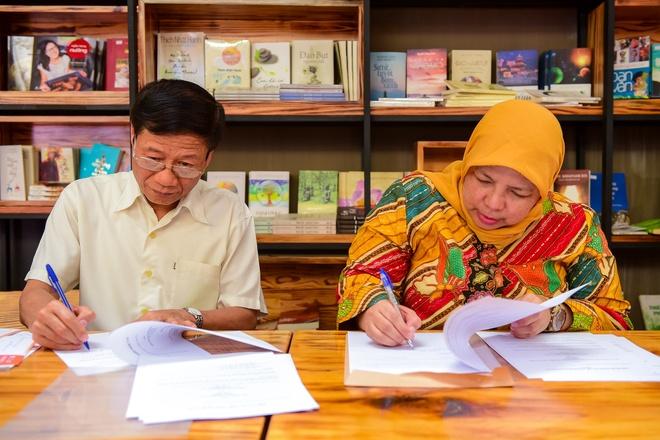 Hoi Xuat ban Viet Nam va Indonesia ky ket hop tac hinh anh